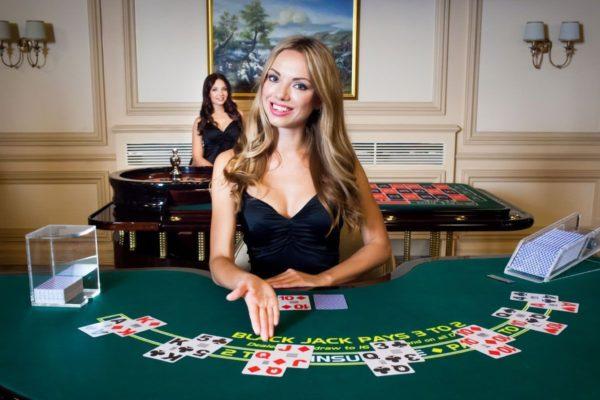 Hướng Dẫn Cách Chơi Bài Poker Online